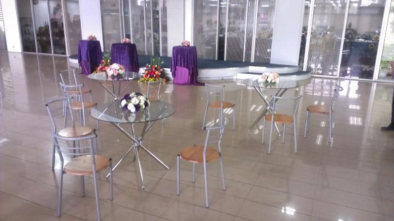 玻璃桌含休閒椅